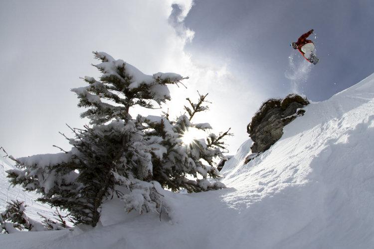 Ein Skifahrer übt seine Freeride-Skills beim Art on Snow - © Gasteiner Tal Tourismus GmbH