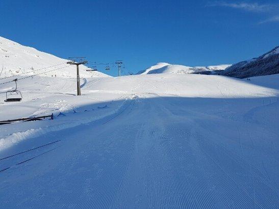 Campo Felice - Rocca di Cambio - Giornata stupenda ieri.....piste aperte quasi tutte tranne 4...neve perfetta... - © Roberto