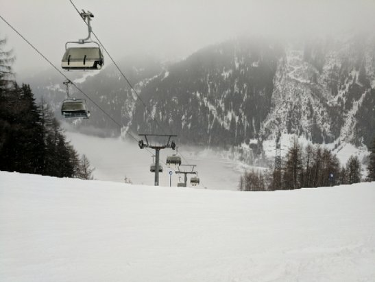 St. Anton am Arlberg - Yesterday was good snow up top but poor visibility.  Wet snow at mid level and rain at the bottom. Should) be better today. - © KentK