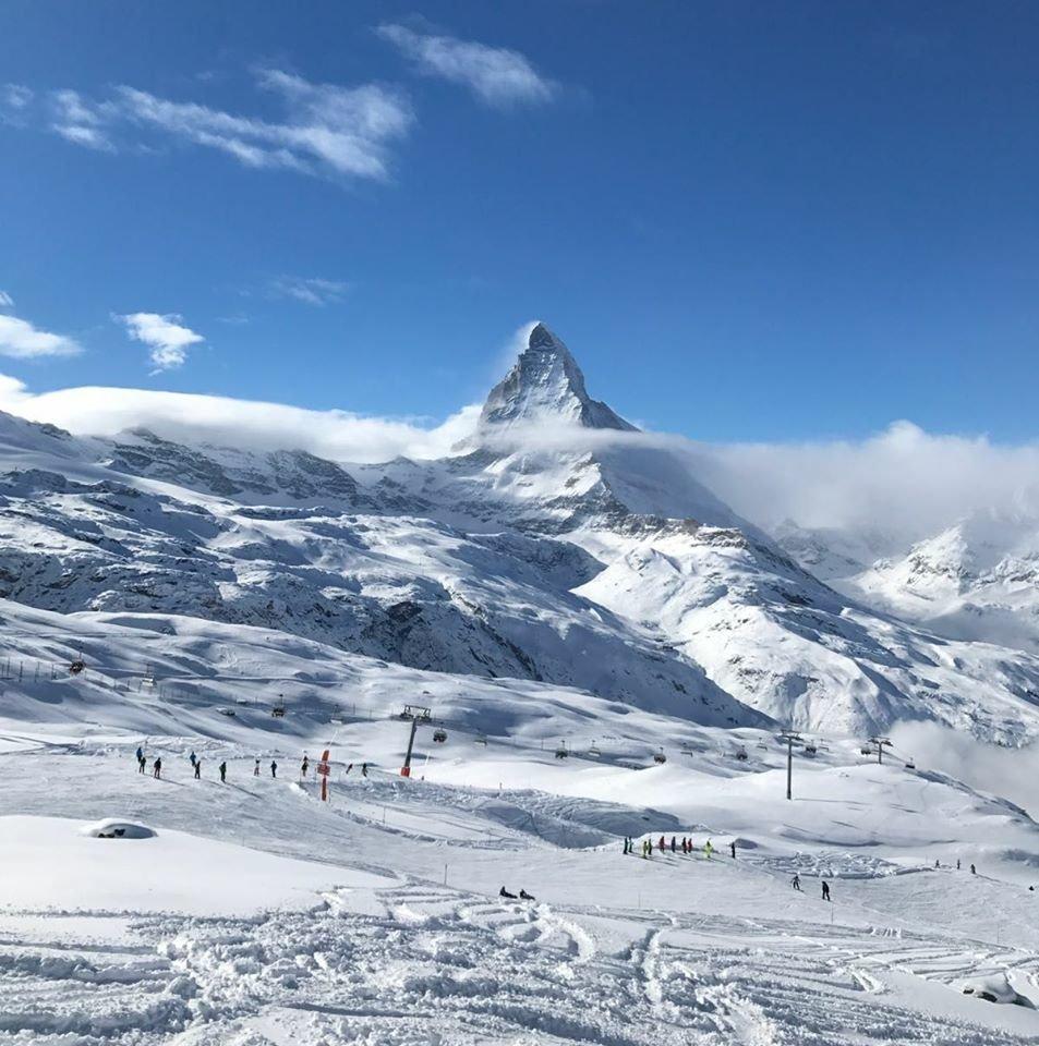 Matterhorn - Zermatt. De holder åpent for skikjøring året rundt. - © Zermatt / facebook