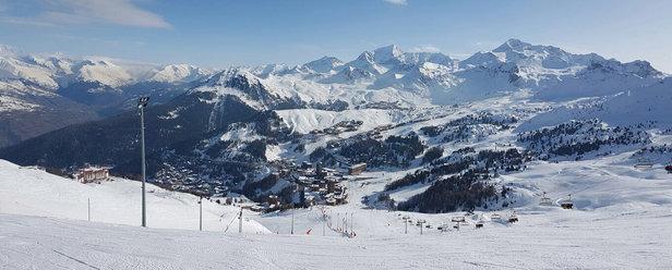 La Plagne - Un domaine de rêve , une semaine ensoleillée et magnifique et une neige agréable. Juste un peu de manque de neige à certains endroit du domaine. - © Benoît