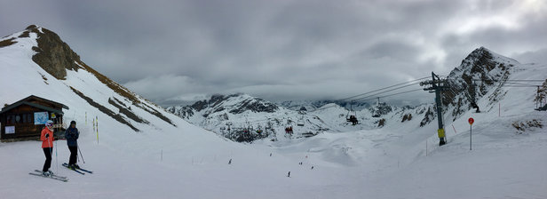 Courchevel - Slushy and corn snow. Much slower than Monday but melting to fog at top by afternoon  - © IPO