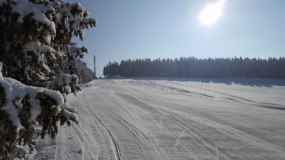 Skicentrum Deštné v O.h. 8.3.2017 - © Deštné | facebook