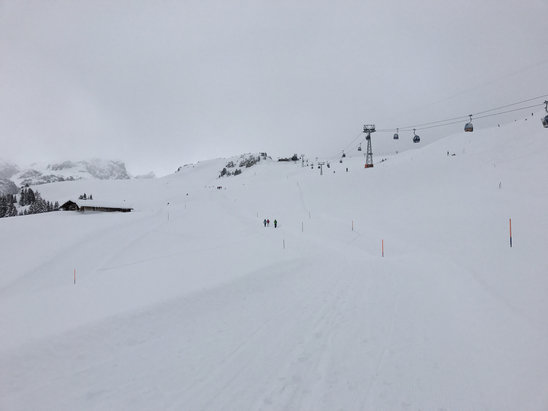 Lenk im Simmental - Great conditions after heavy falls yesterday  - © Nigel's iPhone