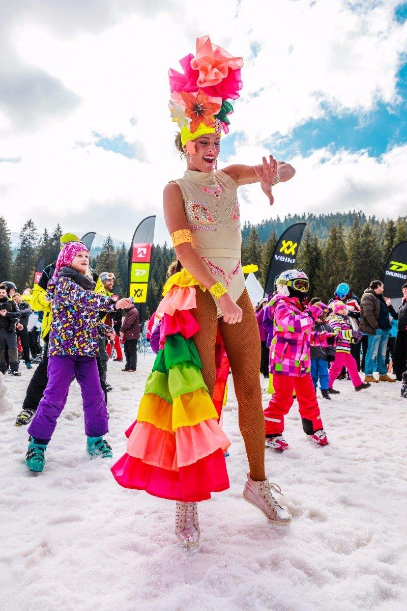 BIKINI SKIING 2017 i Jasna Low Tatras som er Slovakias største skisenter. - ©TMR