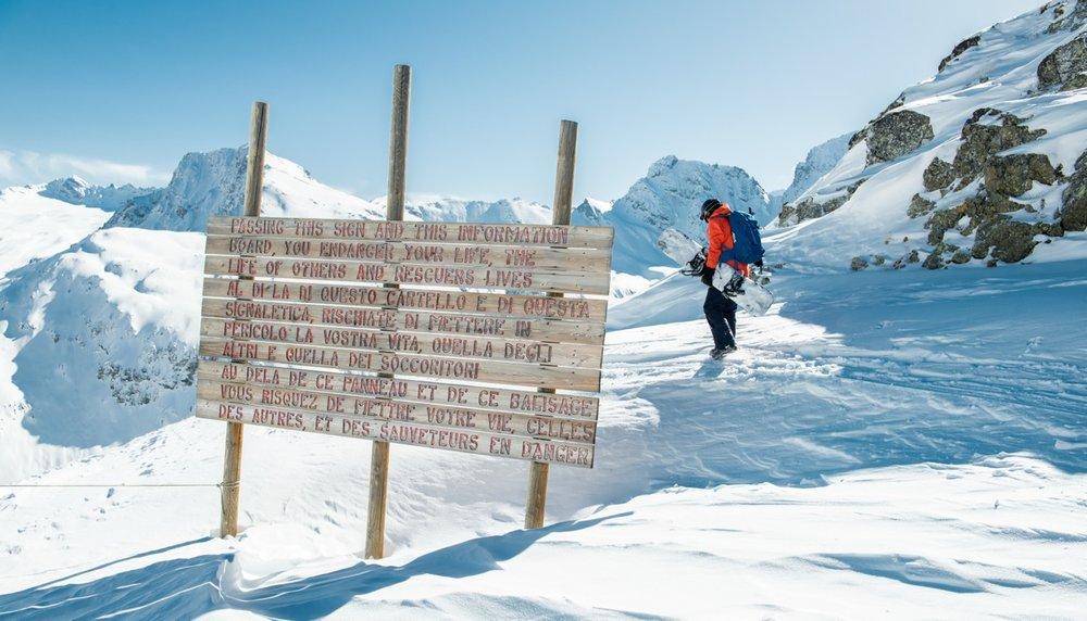 Au delà de cette limite s'ouvre le domaine hors piste de Bonneval sur Arc... - © Eric Verbiest