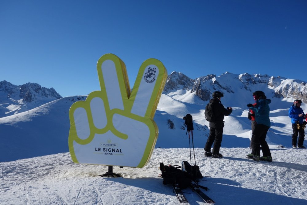 På toppen av Le Signal har de satt opp selfiekamera med 360 graders utsikt! - © Christine Amdam