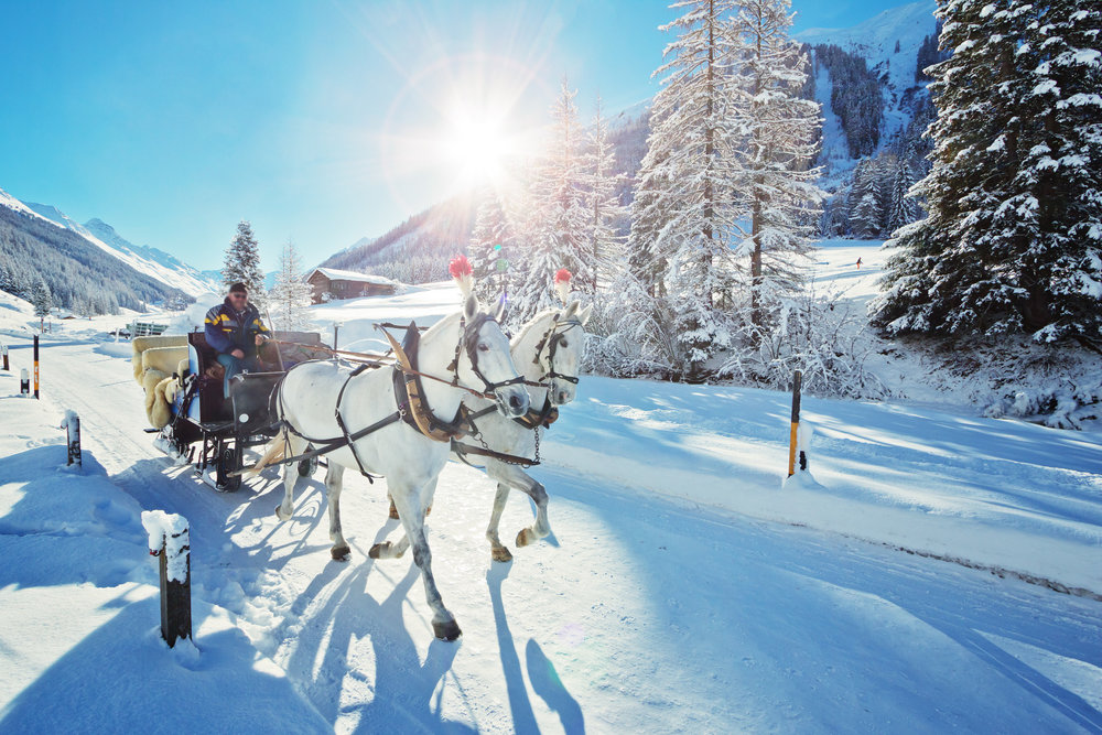 Dans certaines stations, les véhicules sont interdits et les déplacement se font à pied ou à bord de traineaux tirés par des chevaux. - © Fotimmz - Fotolia.com