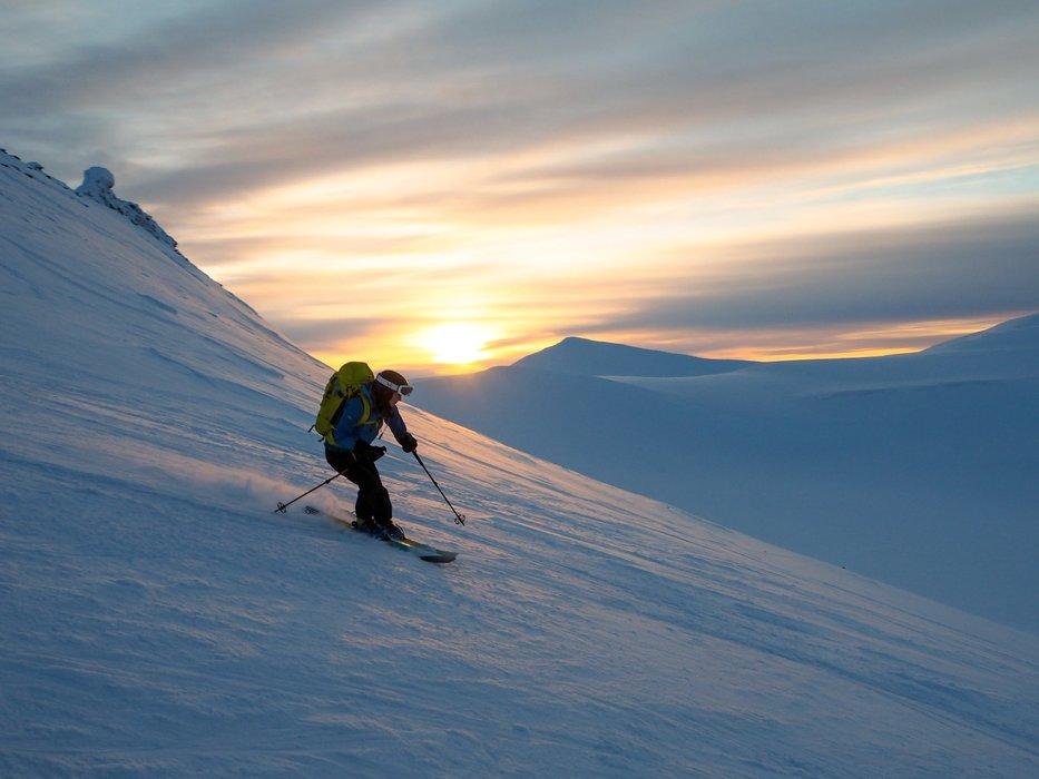 På vei ned fra Trollsteinen. - ©Vigdis Skogly
