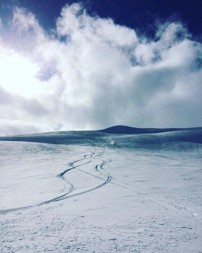 I Myrkdalen har det lavet ned den siste tiden, og de har nå tre meter snø i terreng på toppen av anlegget! - © Myrkdalen Fjellandsby