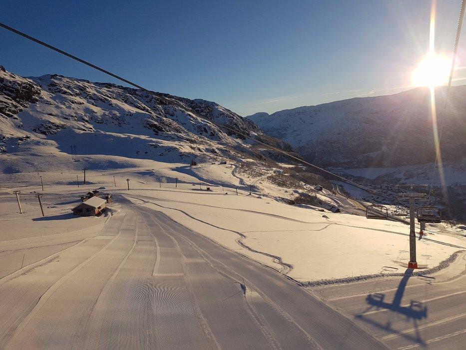 Nydelig morgen i Røldal Skisenter tirsdag morgen. - © Bjørn Ove Hagen - Røldal Skisenter