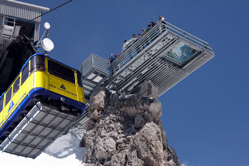 Outstanding views from the Dachstein Sky Walk - © Dachstein