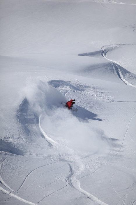 Offpiste skiing at El Colorado, Chile. Copyright: El Colorado Tourism
