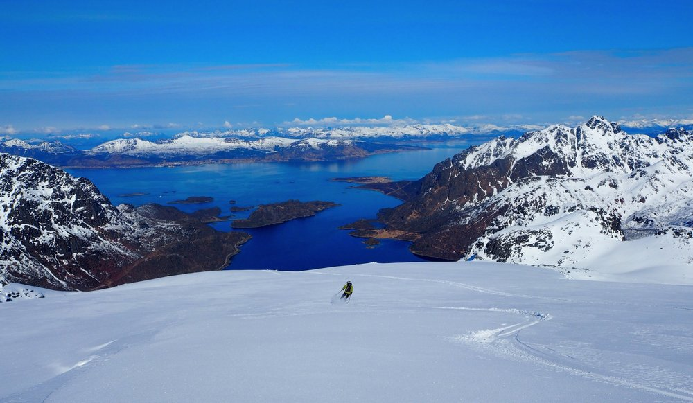 Det er lite som slår kombinasjonen fjord og fjell. - ©Crister Aalberg Næss