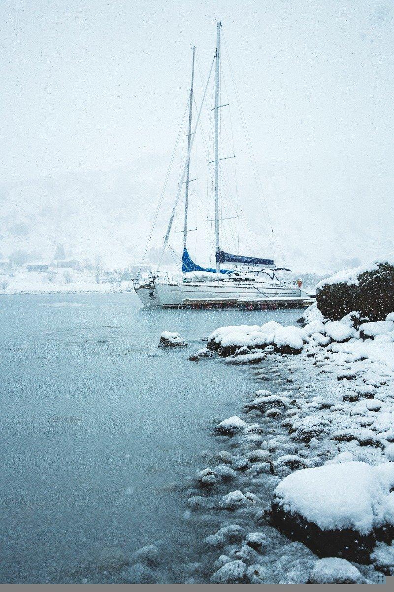 Man seiler i all slags vær, men det er ikke så kaldt som du tror. - ©Torbjørn Buvarp