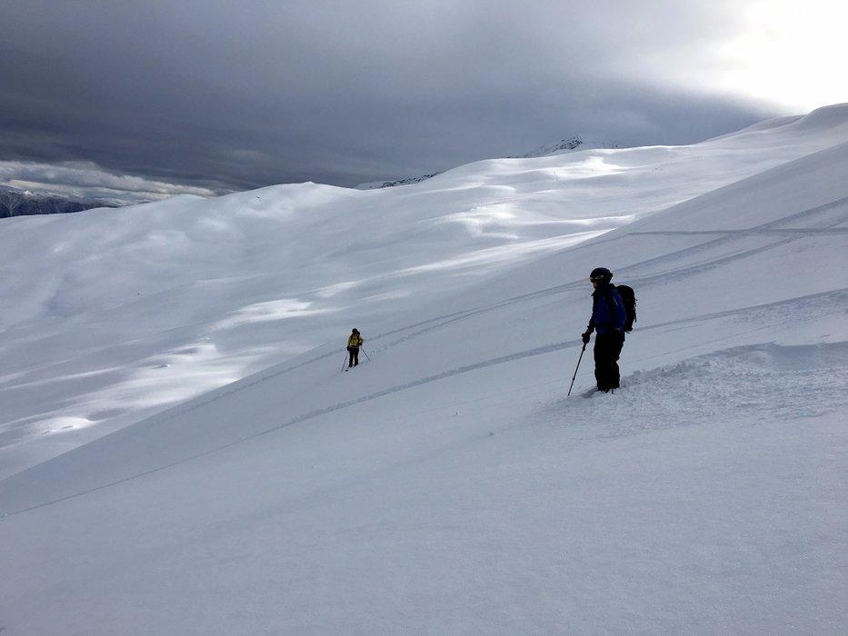 Finfin snø i Leirdal i Sogn i helga. - ©Brita Vist