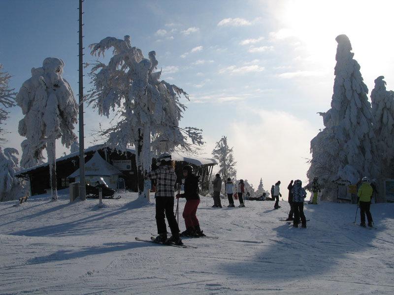 Impressionen aus dem Skigebiet Hohenbogen