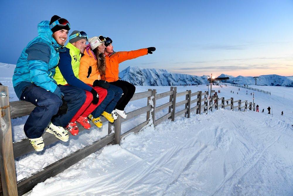 Petite pause sur le domaine skiable de Chamrousse - © OT Chamrousse - Fred Guerdin