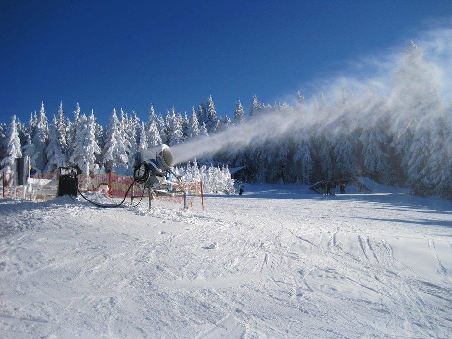 Eindrücke aus dem Skigebiet Pröller Skidreieck (Pröller Skilifte) - © Pröller Skilifte | Facebook |