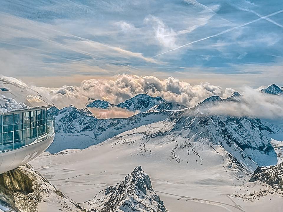 Výhled z nejvyššího bodu pitztalského ledovce - © Pitztaler Gletscherbahn GmbH & Co KG
