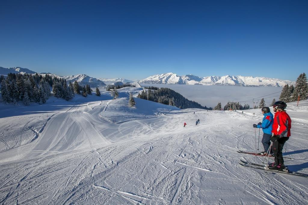 Das Skigebiet Grüsch-Danusa bietet euch ein eindrucksvolles Pistenpanorama. - © gruesch-danusa.ch / Joh. Bärtsch ziitla.ch