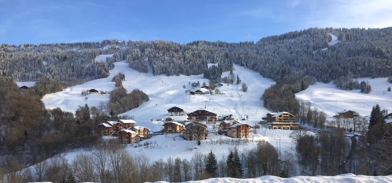 Vue sur une partie du domaine skiable de Flumet - ©Flumet - St Nicolas la Chapelle Tourisme