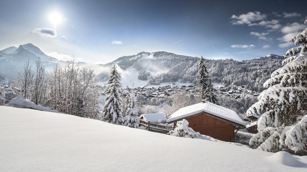 Paysage de carte postale après une chute de neige à Morzine - © Jean Baptiste Bieuville