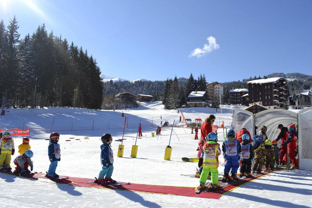 Apprentissage du ski avec l'ESF de Morillon - © Morillon Tourisme