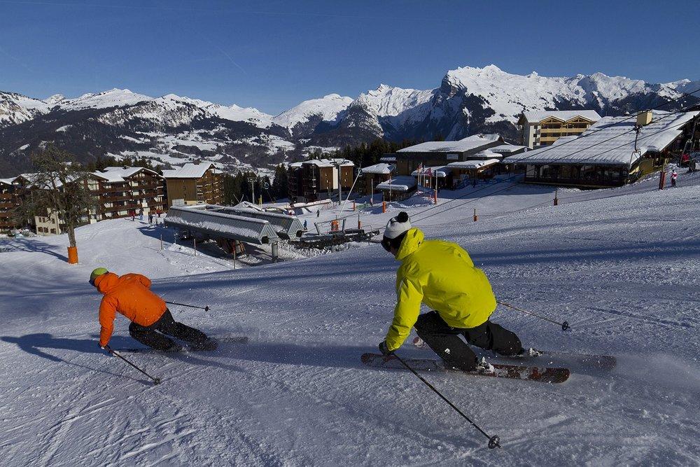 Les plaisirs de la glisse et du ski à Morillon - © Morillon Tourisme