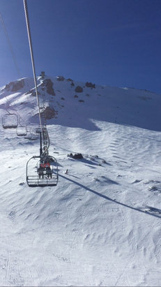 Mammoth Mountain Ski Area - Mid season snow conditions from Main lodge to the top.  - © nowline's iPhone