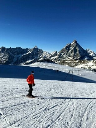 Zermatt - recent snowfall and blue Bird day - © anonymous