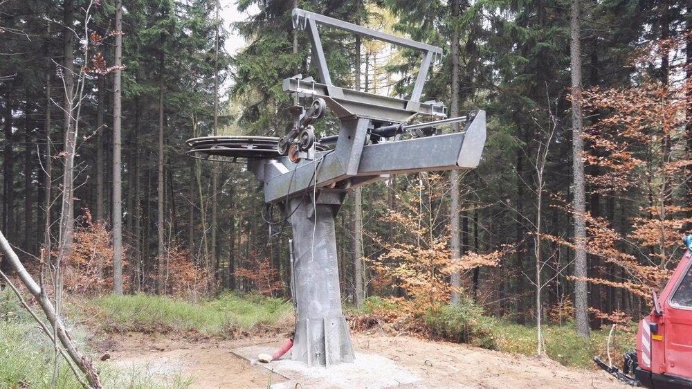 Kompletace výstupní stanice nové dvoukotvy - © Desná - Černá Říčka - facebook
