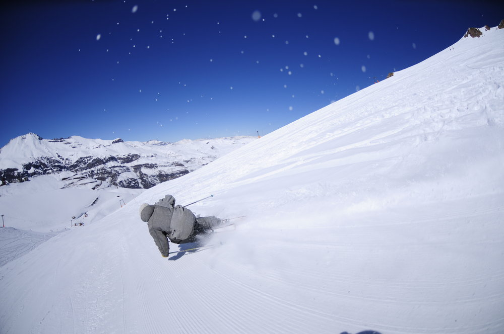 Powder skiing in El Colorado, Chile