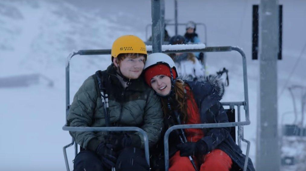 """Ed Sheeran i Zoey Deutch na lodowcu Hintertux podczas kręcenia videoclipu do hitu """"Perfect"""""""