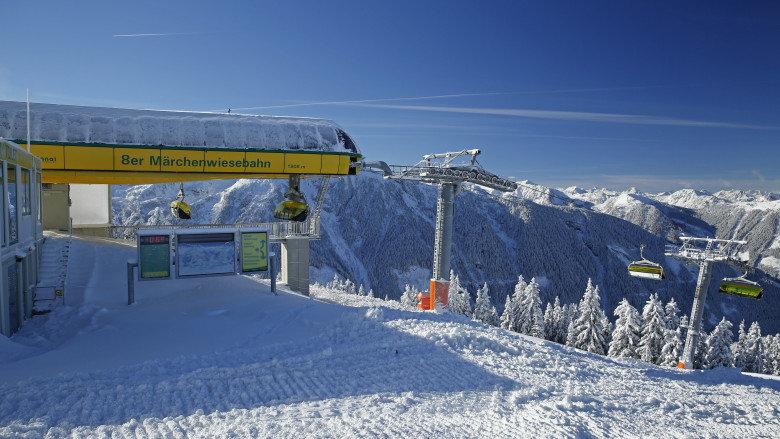 In Schladming geht ab Freitag der Skibetrieb los - © http://www.planai.at/