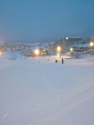 Ruka - Great skiing conditions and no lift queues!  - © RJH