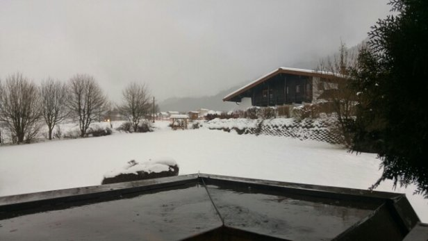 Ellmau - SkiWelt - snowed all day yesterday, but heavy rain started lunchtime today, adding to the risk of more icy conditions - © anonymous