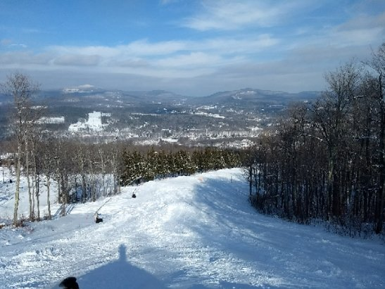 Windham Mountain - sunny day here and cruising laps. great views as the Catskill gleem with snow. no bumps allowed. - © ak.hermit
