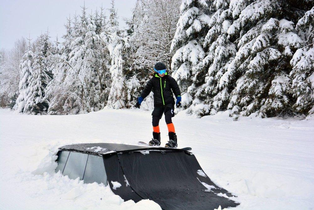 Skicrossová trať je dlhá 580m v ľahkej až strednej úrovni. Po trase v prvej  línii 7b394eb2620
