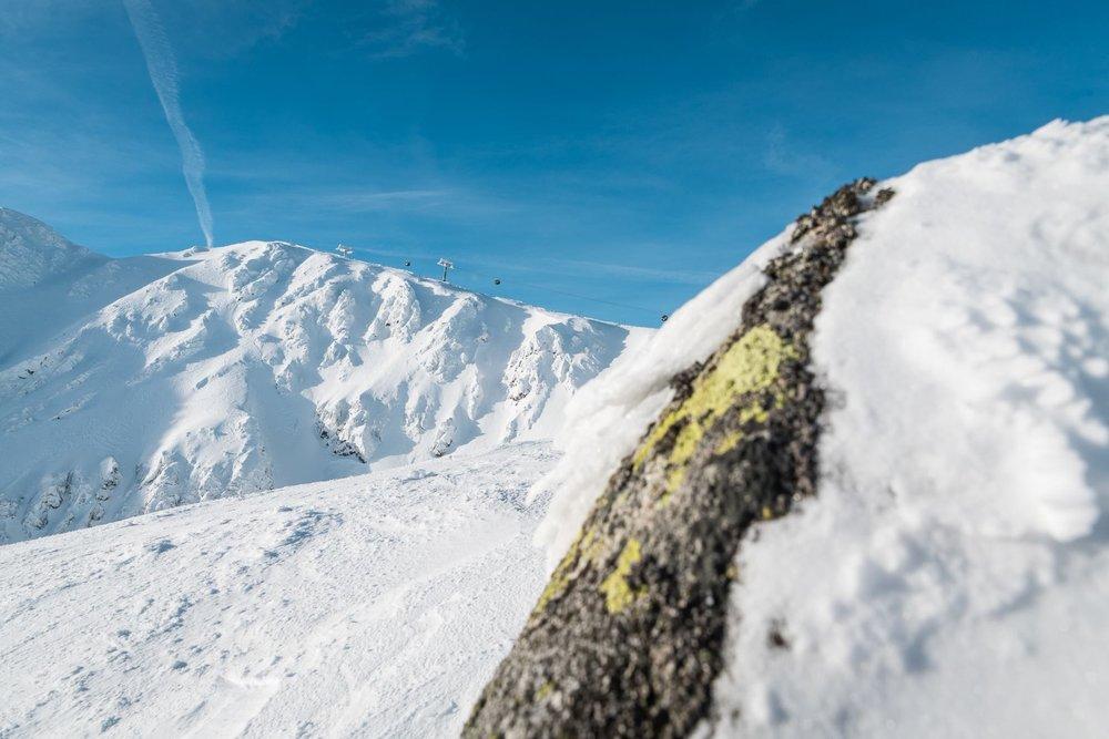 Slnečný štvrtok 25.1. na svahoch Chopku - Jasná Nízke Tatry - © TMR