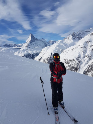Zermatt - Amazing scenery with very quiet slopes, no cues for the lifts. It's so massive here! - © Marcus's iPhone (2)