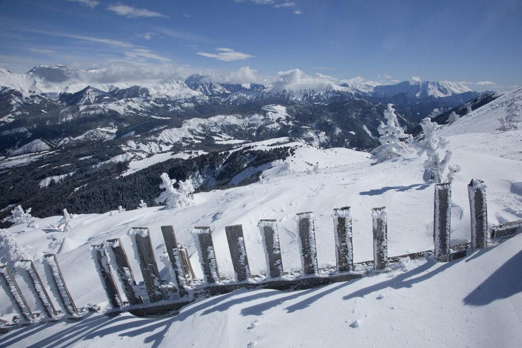 Panorama grandiose depuis le domaine skiable de Chabanon - © Station de Chabanon
