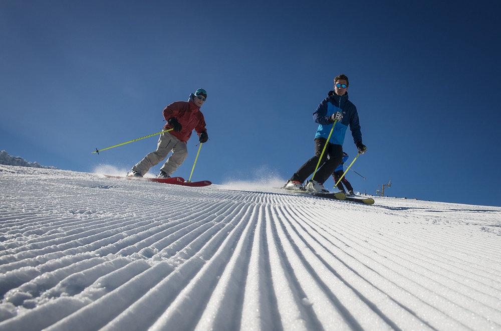 Conditions de ski idéales (neige fraiche et soleil généreux) sur les pistes de Chabanon - © Station de Chabanon