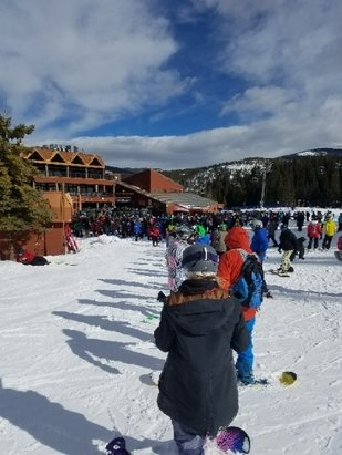 Breckenridge - Crusty snow. Big crowds and long lines. Don't bother coming out this afternoon  - © Balazar