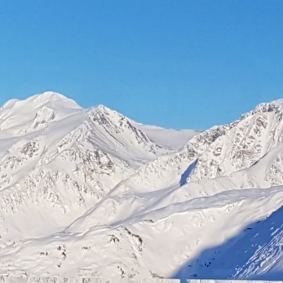 Alyeska Resort - Bluebird Day..25 - © Rob
