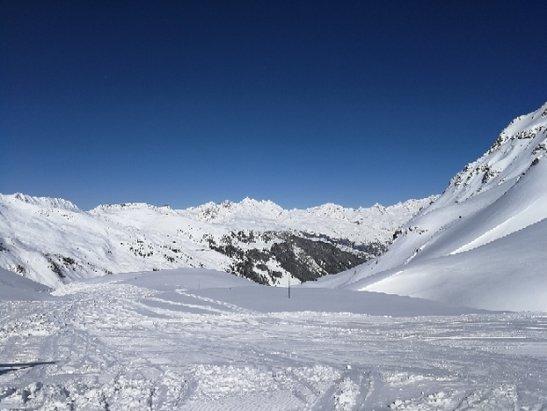 La Plagne - Beautiful day! Perfect skiing conditions.  - © DuffyS