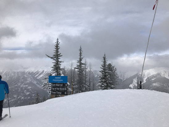 Panorama Mountain - Great day on the slopes. Great snow cover and even some pockets of powder in the upper glades. Great mountain.  - © iPhone