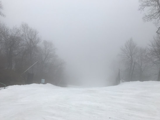 Roundtop Mountain Resort - It ended up getting very foggy in the afternoon, and conditions were variable throughout the day, but most of the trails didn't have any thin spots and had good coverage. Gunbarreland Ramrod were both groomed. - © Brendan's iPhone