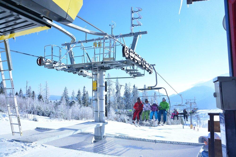 Nová sedačková lanovka v Strachan Ski Centrum - © Strachan Ski Centrum. Skicrossová  trať ... 31f46fa8bba