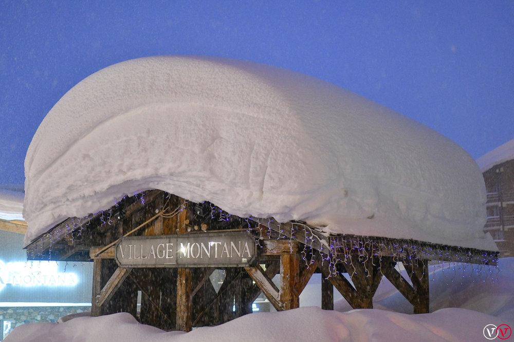 Aus Val Thorens meldete man am 04.01. riesige Schneemassen und Lawinenwarnstufe 5! - © Facebook Val Thorens